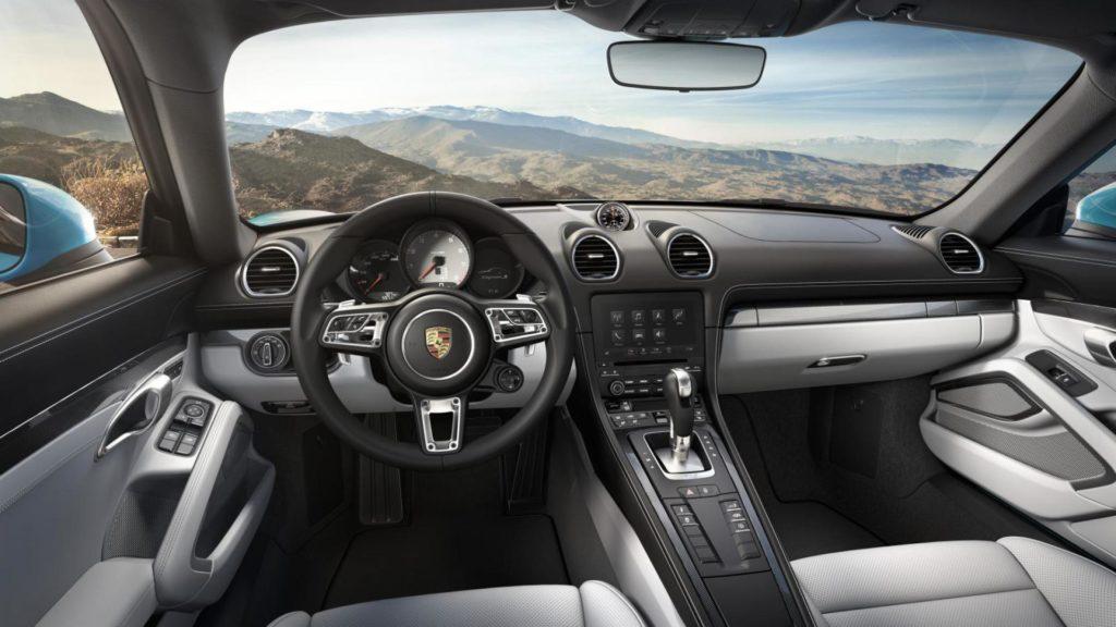 Porsche Cayman 718 - Interni