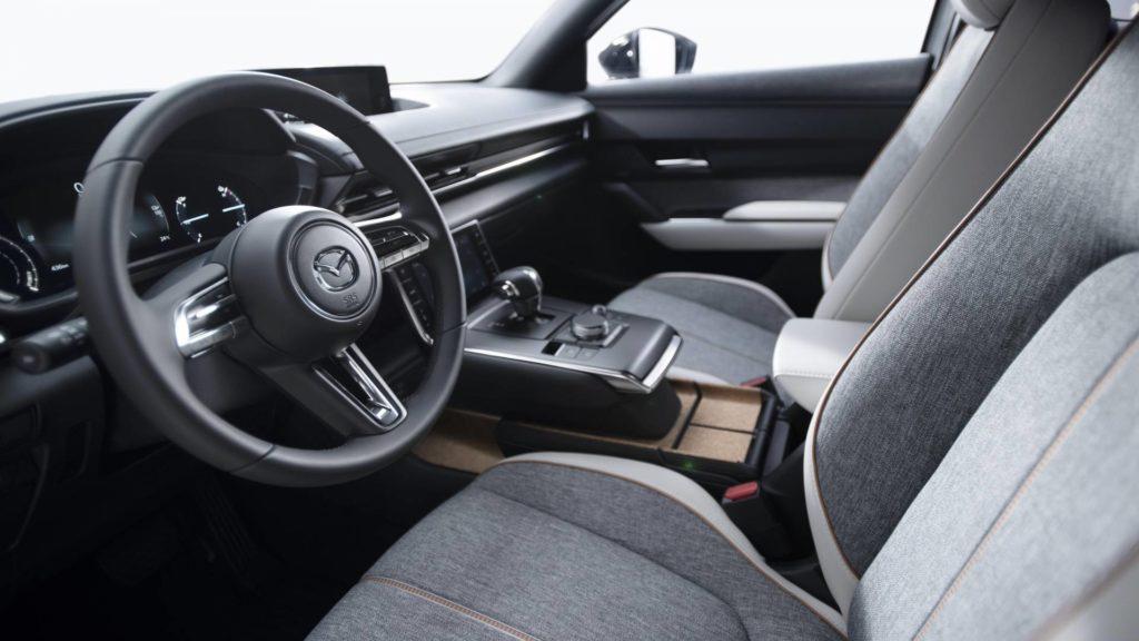 Mazda MX-30 - Dettaglio Interni