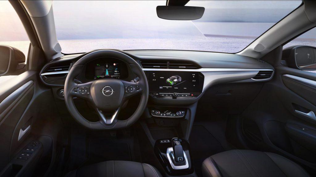 Nuova Opel Corsa - Interni e volante